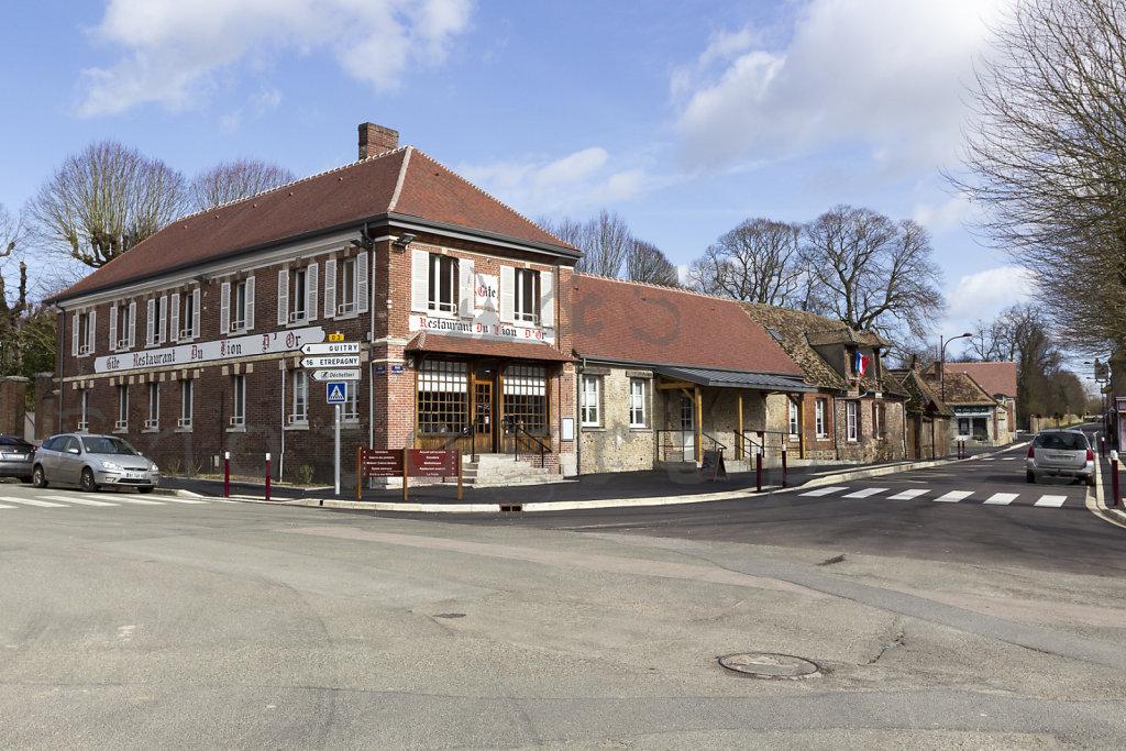 Halle-publique-Jardin-Centre-Bourg-Tourny-web-170302-001.jpg