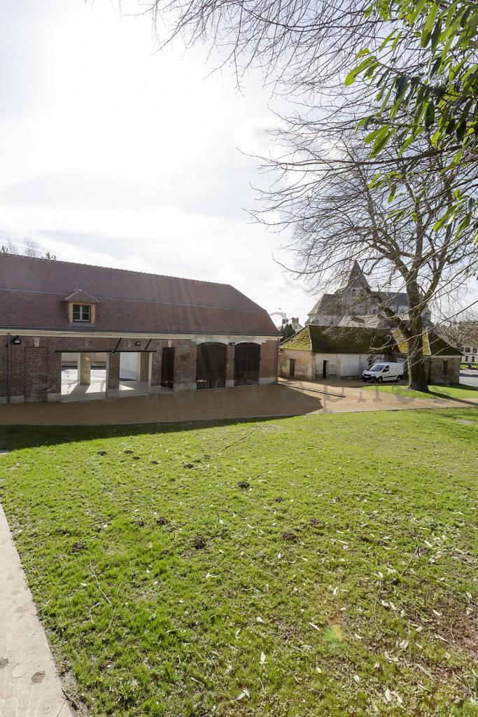 Halle-publique-Jardin-Centre-Bourg-Tourny-web-170302-009.jpg